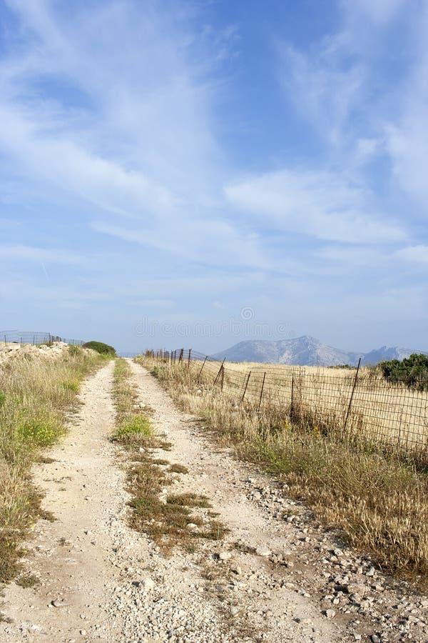 农村岩石路在Koufonissi海岛 图库摄影