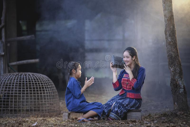 农村幸福家庭 库存照片