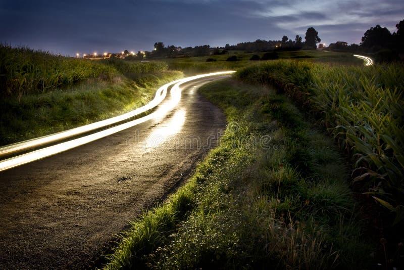 农村晚上的路 免版税库存图片