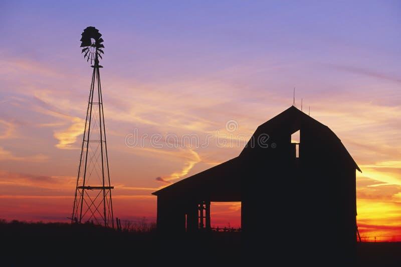 农村的谷仓 库存照片