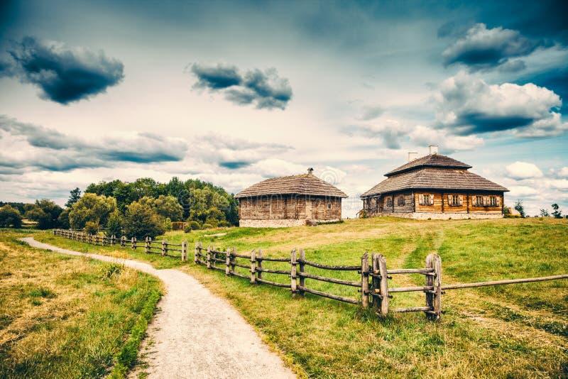 农村风景的种族房子 图库摄影
