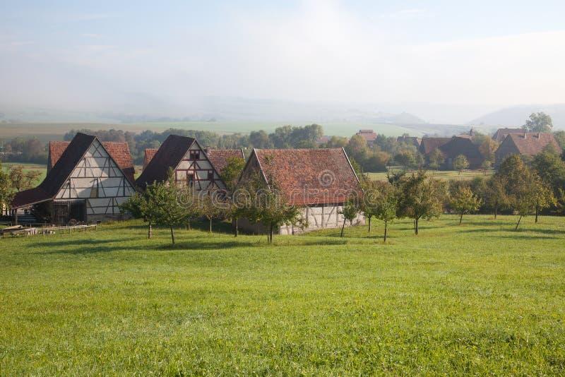农村风景的老农厂房子在德国 免版税库存图片