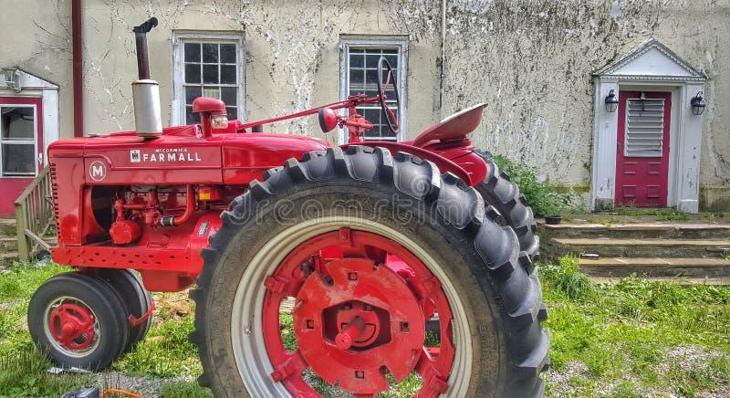 农舍旧车改装的高速马力汽车 库存照片