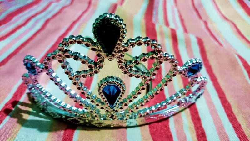 冠状头饰冠壮丽的场面美丽的妇女 免版税库存图片