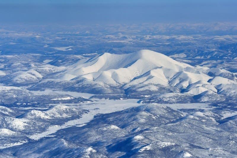 冬天从概略的看法的奥伊米亚康雅库特 免版税库存图片