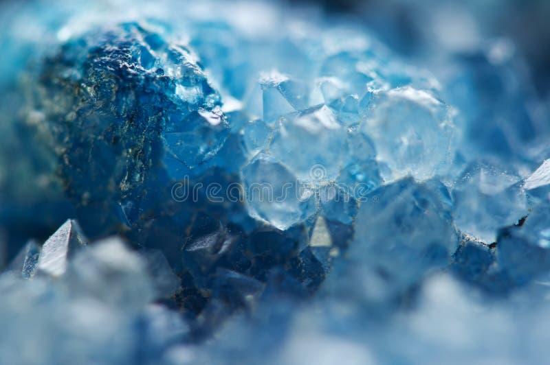 冬天冷的背景,蓝色水晶 宏指令 免版税库存图片