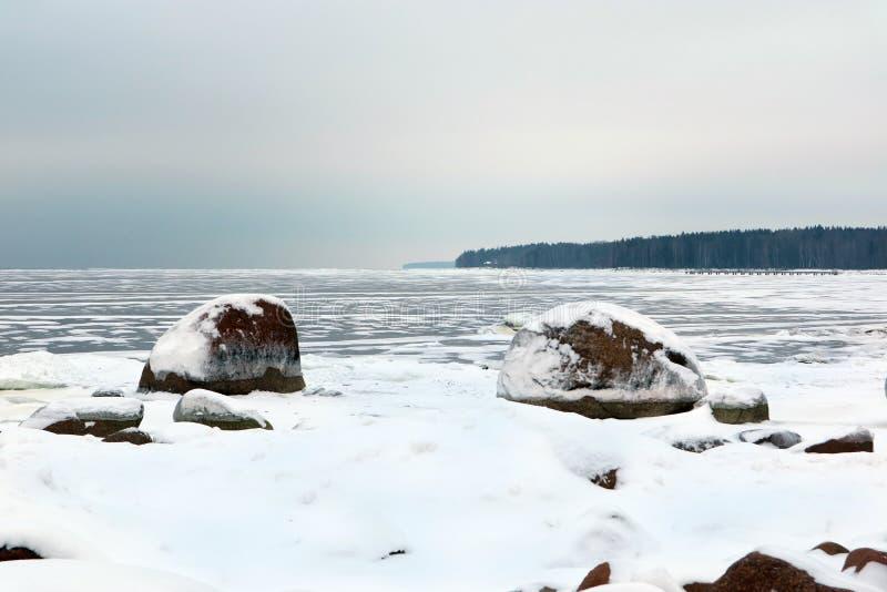 冬天冻海角海军的芬兰湾 免版税库存照片
