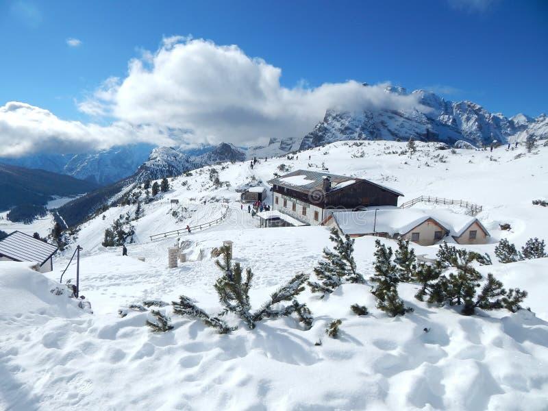 冬天在意大利阿尔卑斯 免版税库存图片