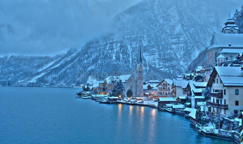 冬天在Hallstatt,奥地利的珍珠 免版税库存照片