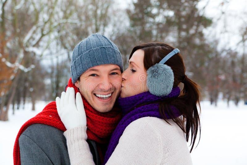 冬天夫妇 免版税库存照片