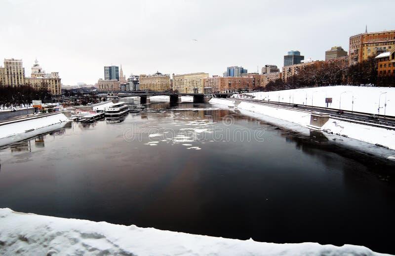 冬天季节在莫斯科 莫斯科河和莫斯科市中心的看法 库存图片
