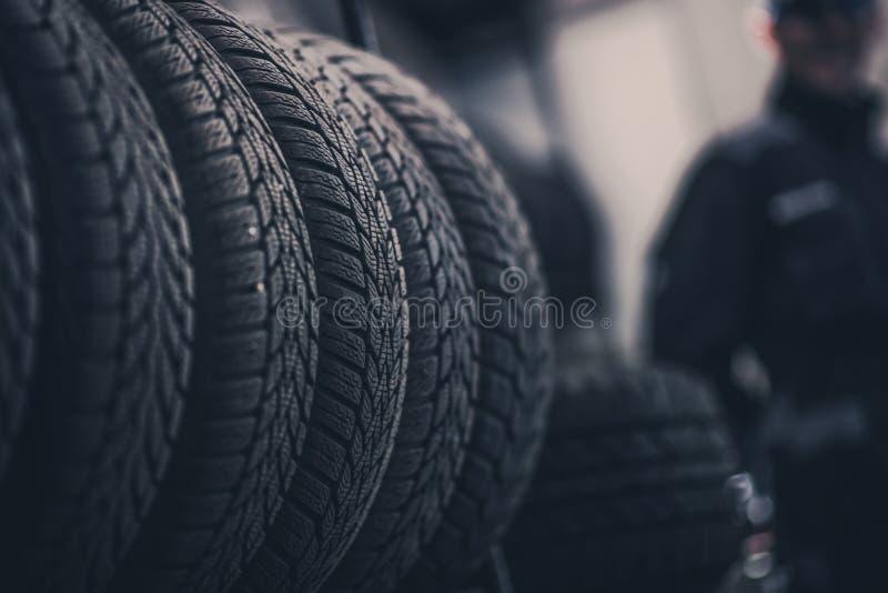 冬天季节轮胎踩 免版税库存图片