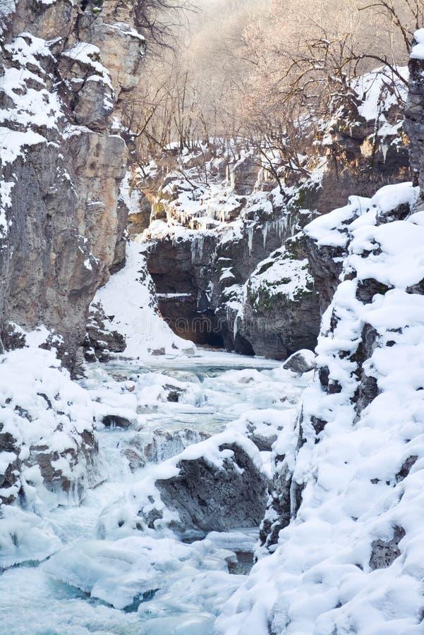 冬天山河 库存照片
