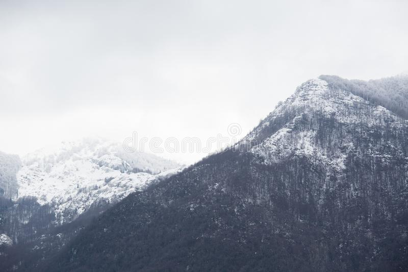 冬天山风景在杜米托尔国家公园国家公园 图库摄影