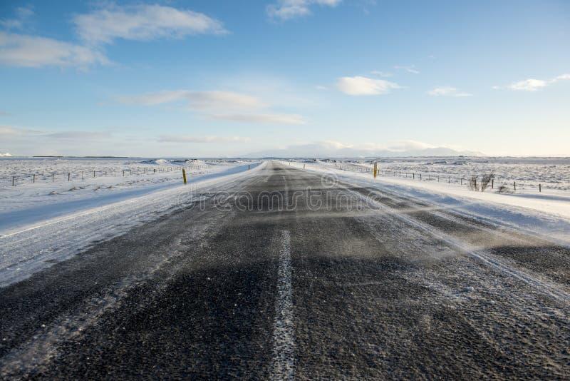 冬天有雪的,冰岛柏油路 库存照片