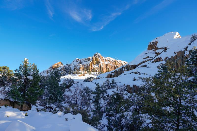 冬天来到小山谷在亚利桑那北部 免版税库存照片