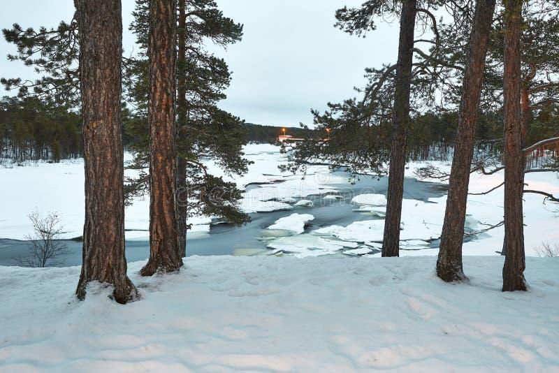 冬天河流程 库存图片