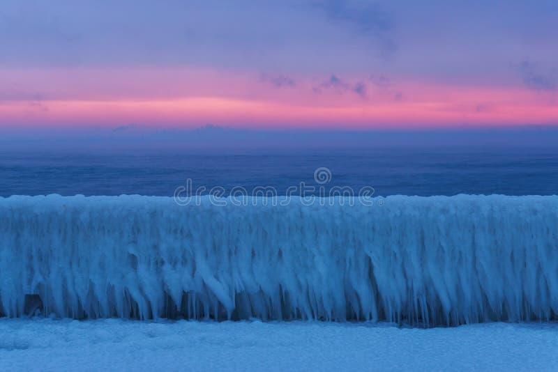 冬天海风景在早晨黎明 库存照片