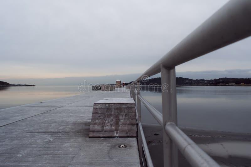 冬天码头深刻的透视 免版税图库摄影