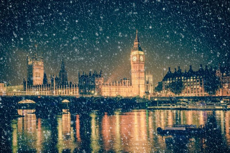 冬天雪伦敦英国场面 免版税库存图片