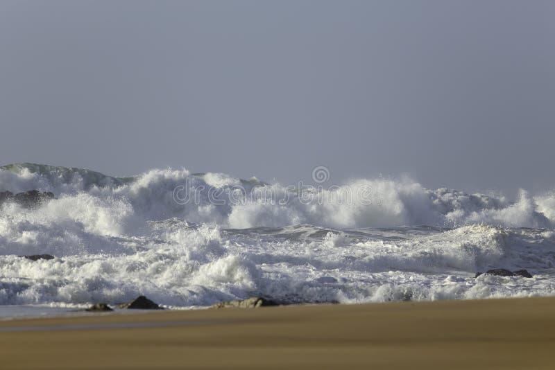冬天风大浪急的海面 库存照片