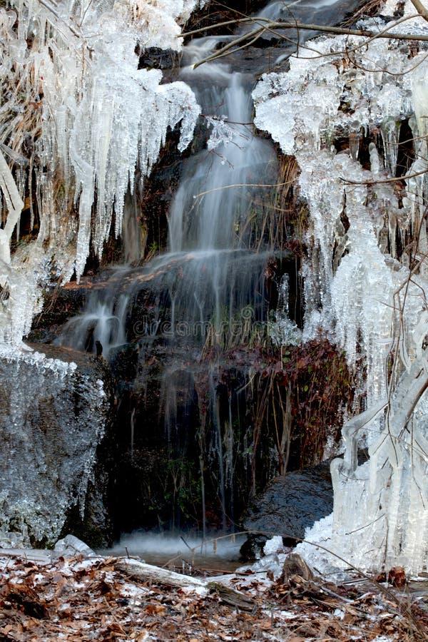 冰少许针瀑布 库存图片