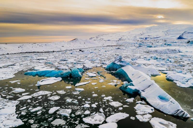 冰山在冰河湖冰河盐水湖 瓦特纳冰川国家公园,冰岛 库存图片