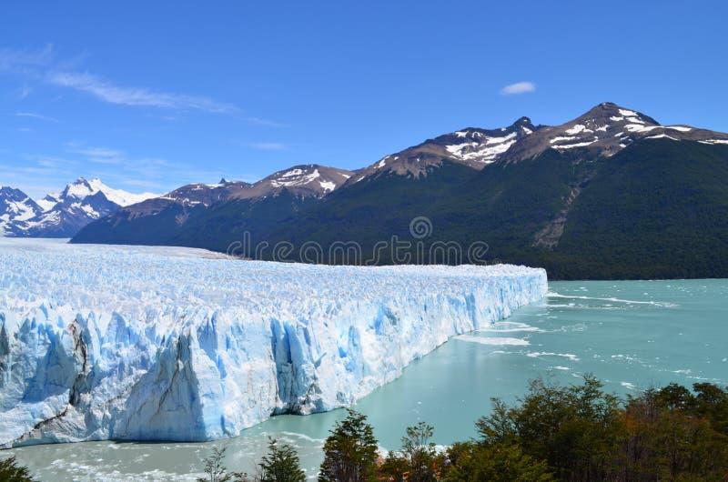 冰山在埃尔卡拉法特附近的阿根廷 免版税库存图片