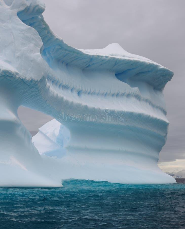 冰山视窗 免版税库存照片