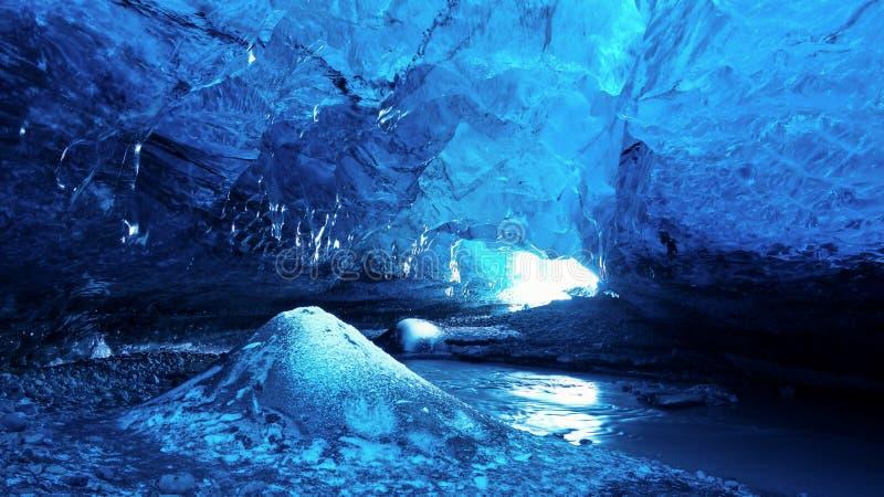 冰岛冰洞 免版税图库摄影