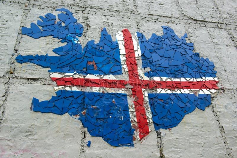 冰岛的军用镶嵌地图上色了与冰岛旗子,冰岛 库存照片