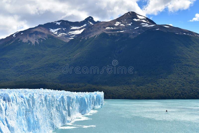 冰川佩里托莫雷诺和Lago Argentino 免版税图库摄影