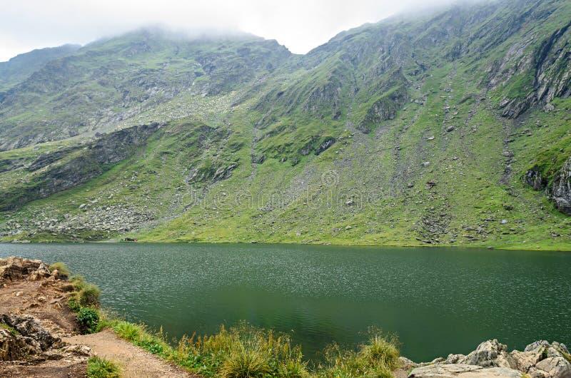 冰川湖叫在Transfagarasan的Balea Balea紫胶 免版税图库摄影
