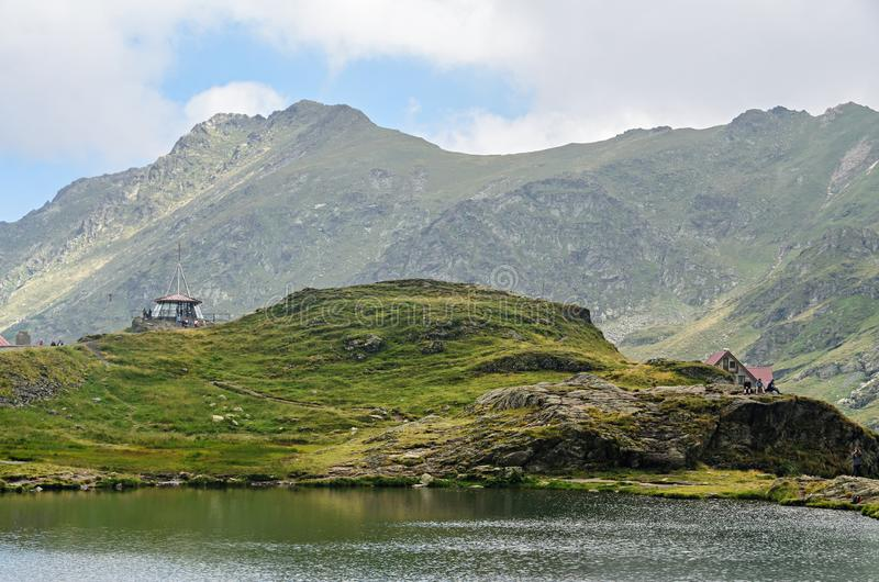 冰川湖叫在Transfagarasan的Balea Balea紫胶 免版税库存照片