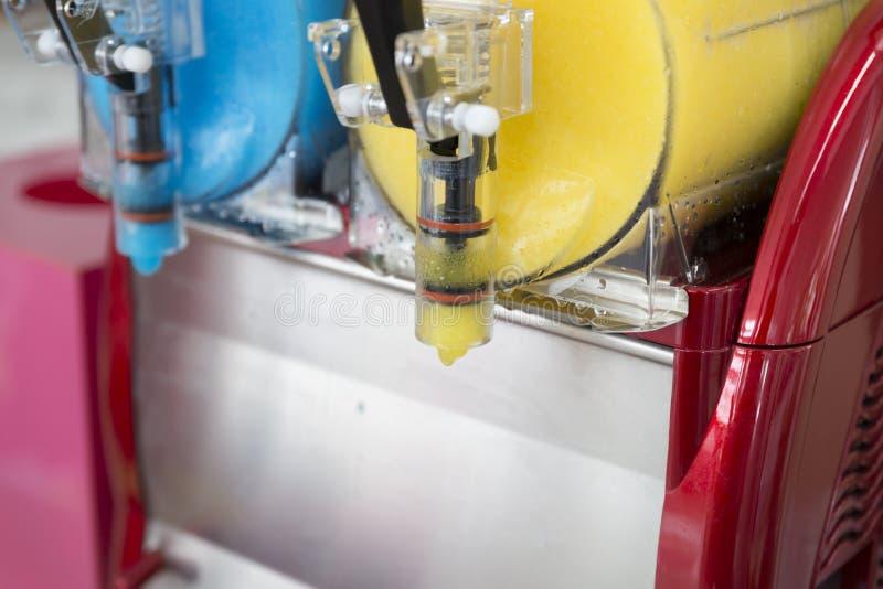 冰果汁饮料设备 免版税图库摄影
