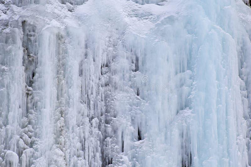 冰柱墙壁 免版税库存照片