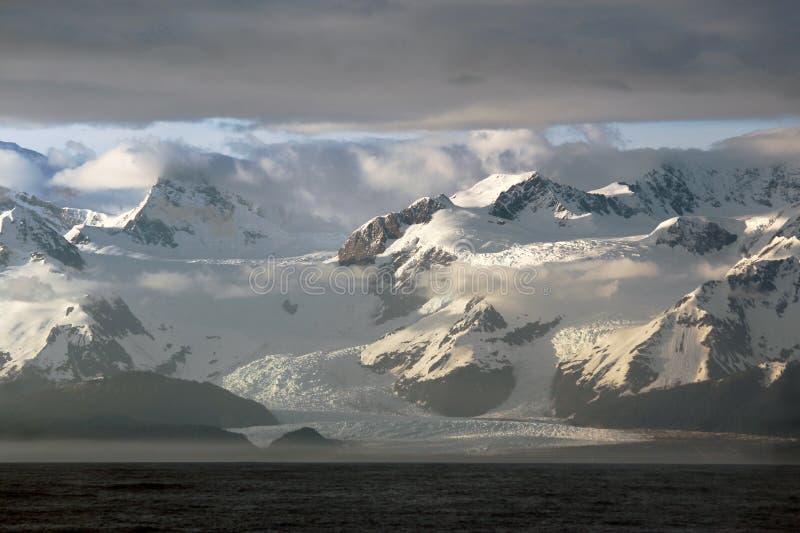 冰河海湾国家公园的和平的边 库存图片