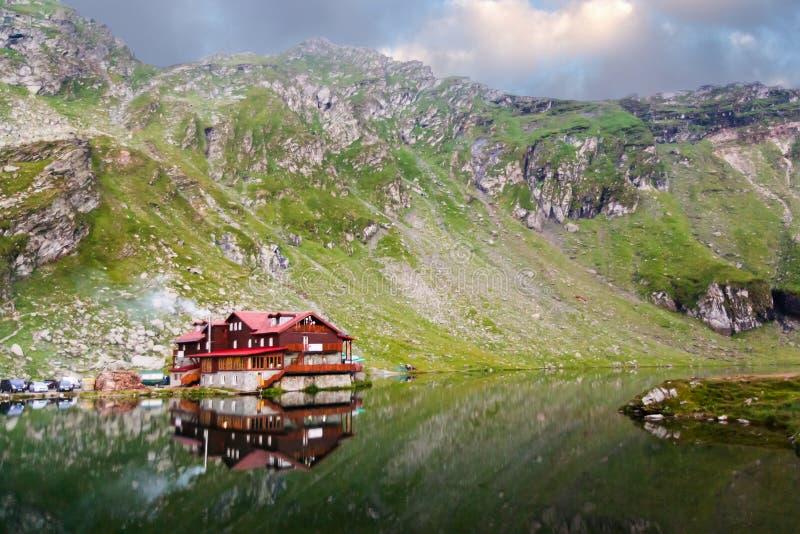 冰河Balea湖 图库摄影