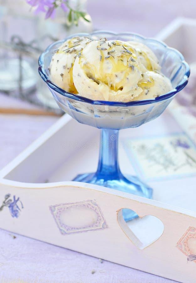 冰淇凌用淡紫色 免版税库存照片