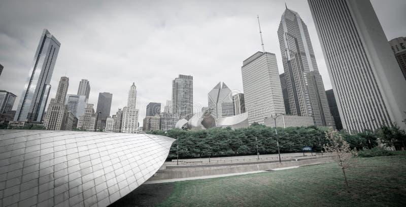 滑冰的丝带通过Chicagos千禧公园射出入f 库存照片