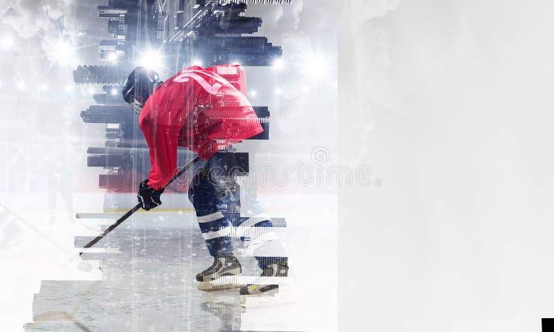 冰的曲棍球运动员 混合画法 库存图片