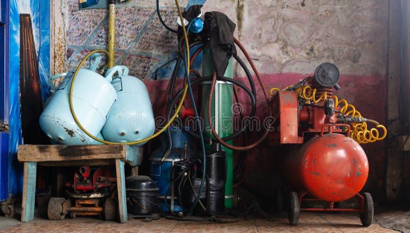 冰箱压力和测压器测量仪测压器和varie 免版税库存照片