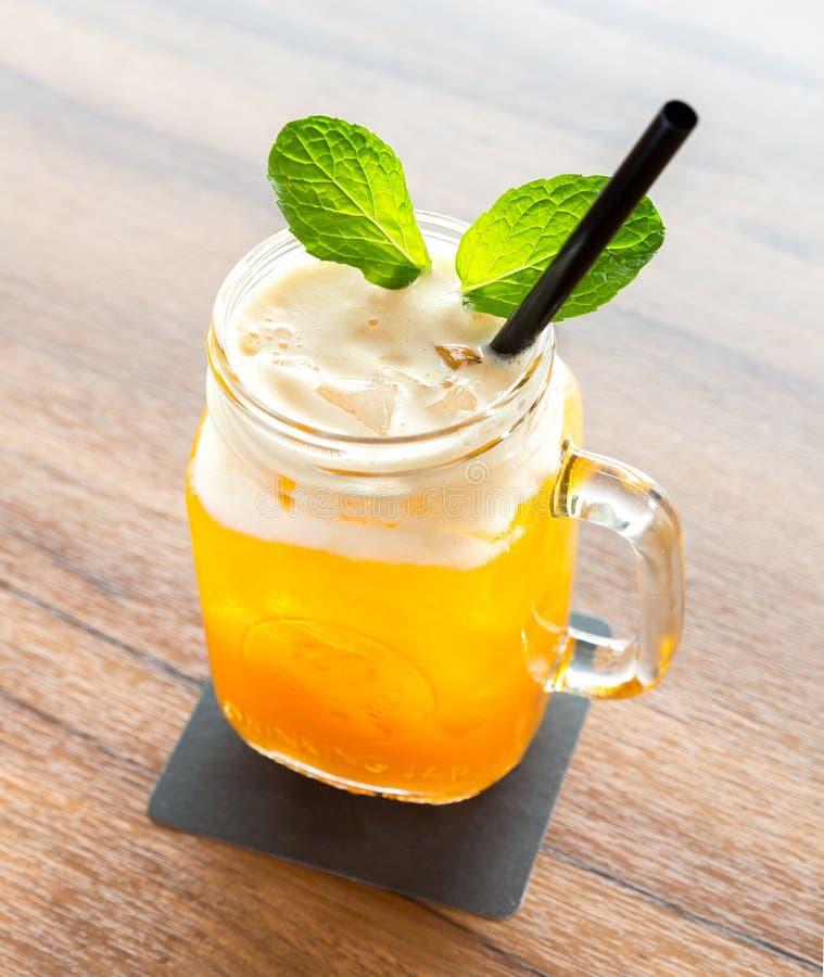 冰Passionfruit茶 库存照片