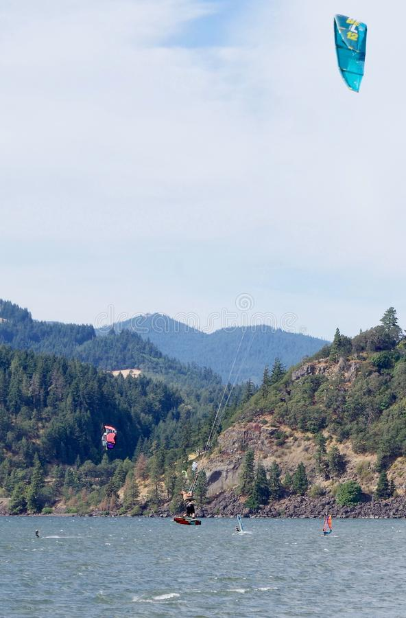 冲浪的风筝,哥伦比亚河,俄勒冈,美国 免版税库存图片