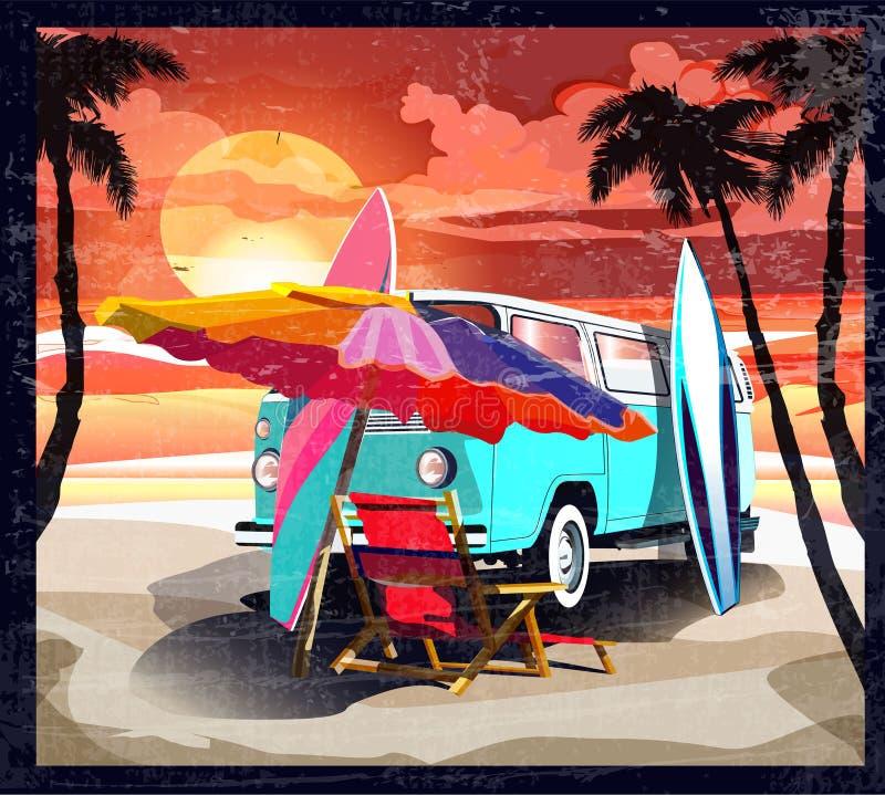 冲浪者橙色公共汽车,搬运车,有冲浪板的露营车在热带海滩 海报加利福尼亚后边棕榈树和蓝色海洋 减速火箭 向量例证