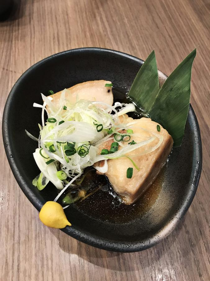 冲绳被炖的五花肉在冲绳岛,日本 免版税库存照片