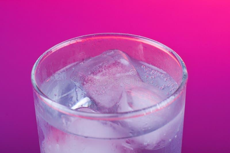 冷冰 库存图片
