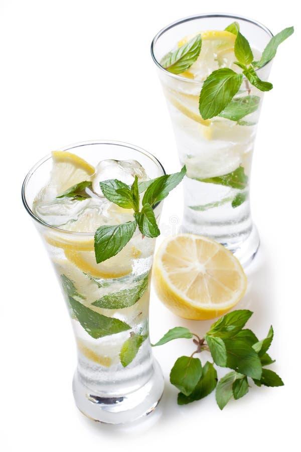 冷新鲜的柠檬水 库存照片