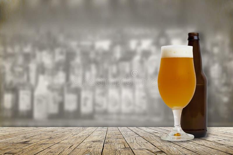 冷的工艺啤酒 库存照片