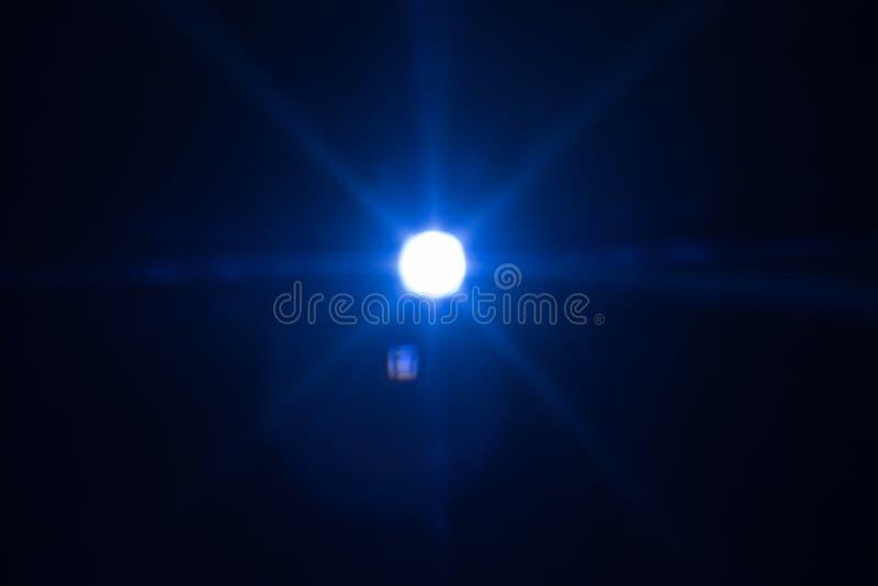 冷的星焕发空间空的宇宙透镜火光 库存照片